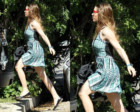 Jessica Biel in Parker Selita Dress in Aqua Botanic