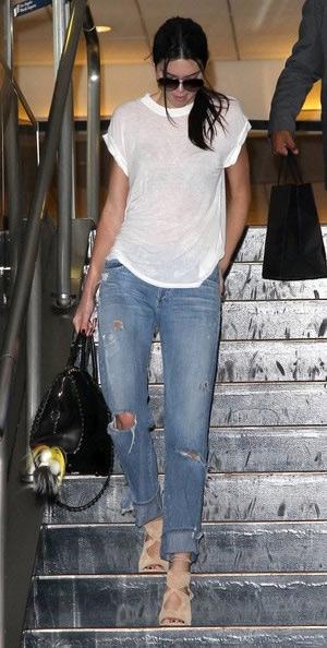 kendall-jenner-Goldsign-Mr.-Right-Oversized-Tube-Leg-Jeans