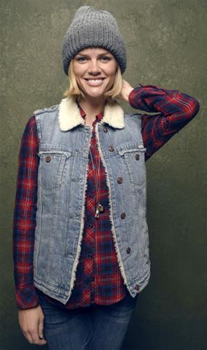 brooklyn-decker-Rails-Carmen-Button-Down-Shirt