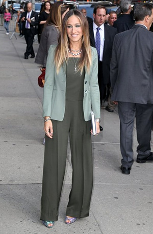 Sarah Jessica Parker in a Theory Vintan Silk Jumpsuit arriving at 'Late Show With David Letterman' in New York City (April 13, 2015)