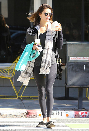 Beyond Yoga Grid Panels Leggings as seen on Alessandra Ambrosio
