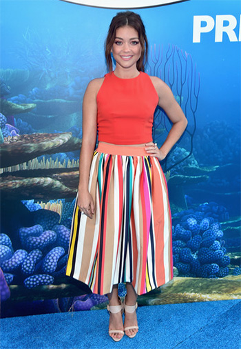 Sarah Hyland wears a Alice + Olivia Nikola Full Skirt to the FInding Dory premiere on June 8, 2016.