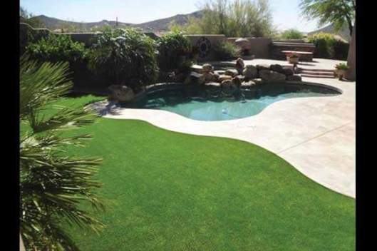 artificial-grass-backyard