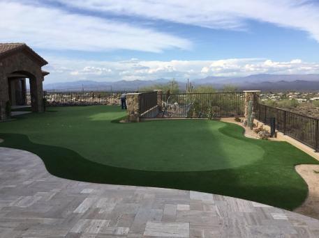 Arizona artificial grass putting green