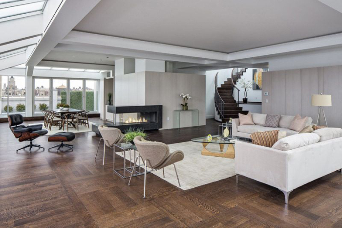Amy Schumer Picks Up Glassy Penthouse On NYCs Upper West