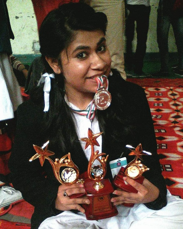 pic of her painting awards