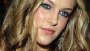 Priscilla Presley: Bio, Height, Weight, Measurements