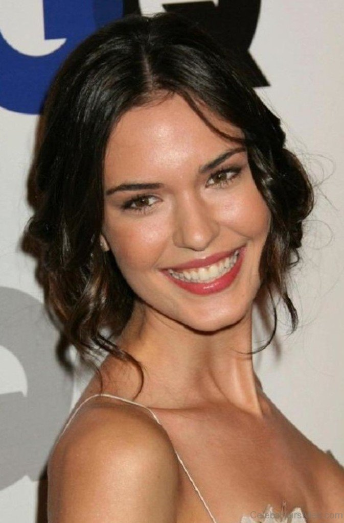 37 Wonderful Hairstyles Of Odette Annable