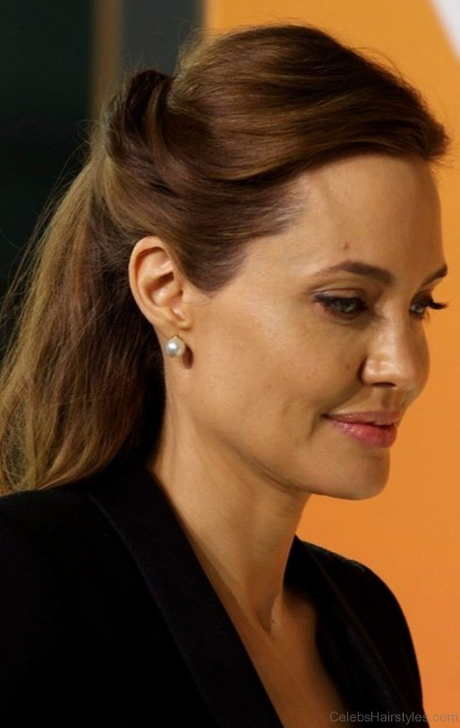 28 Perfect Hairstyles Of Angelina Jolie