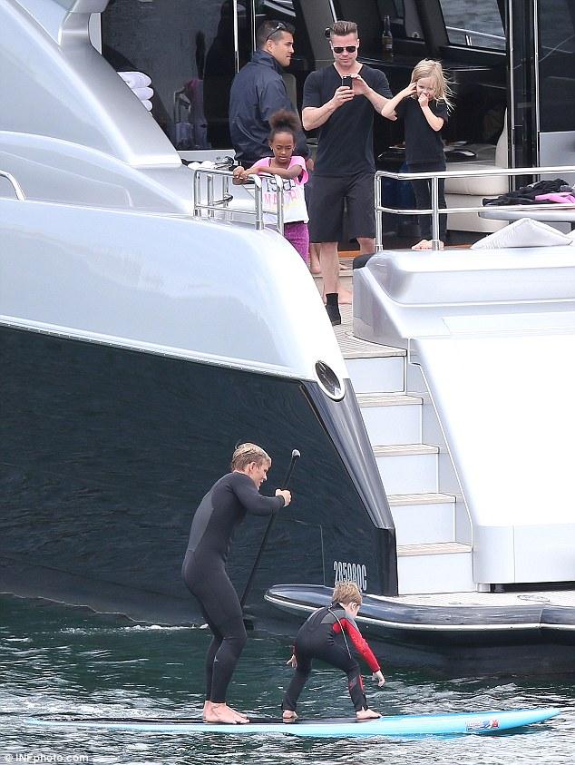 Brad Pitt And Angelina Jolie Cruise Sydney On Speedy Yacht Celebs On Yachts