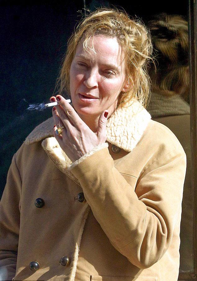 Uma Thurman Smoking without Makeup