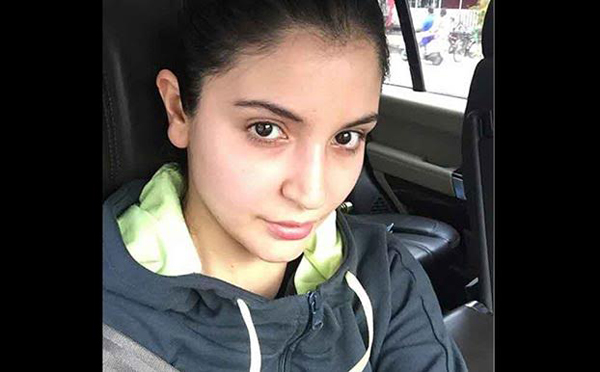 Anushka Sharma no makeup