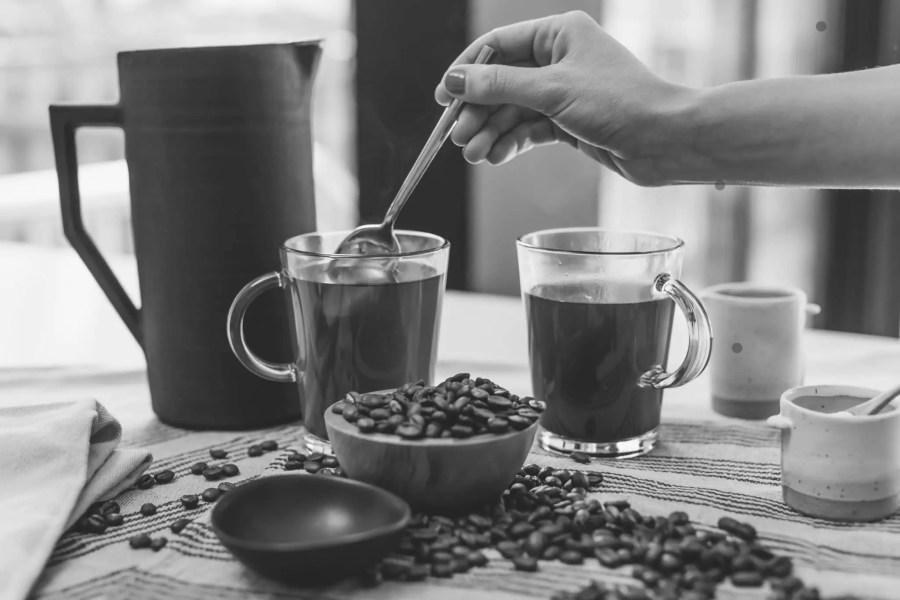 Quelles alternatives au café en capsules? Découvrez le café moulu ou en grain zéro déchet