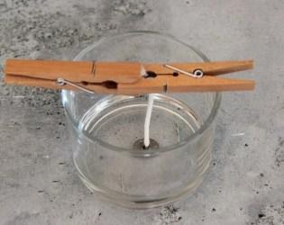 Astuce DIY pour faire tenir la mèche de votre bougie parfumée naturelle végétale.