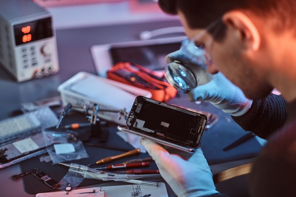 iPhone repair services in Vancouver