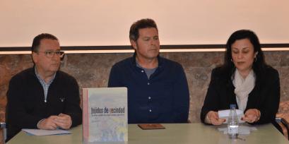 Presentación del acto 'Dicen que hay tierras al Este' en Albelda (foto Paco Aznar / Somos Litera)