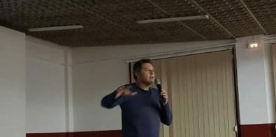 Alberto Sabio durante el acto 'Dicen que hay tierras al Este' en Tamarite de Litera (foto Ana Domínguez)