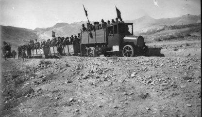 Convoy militar, ca. 1922 (foto Jaime Pla)