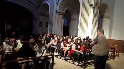 En la iglesia de Peralta (foto Paco Murillo)