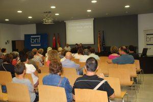 Público en la conferencia «El mercader binefarense Cervera Roche» (foto Imma Gracia / La Litera información)