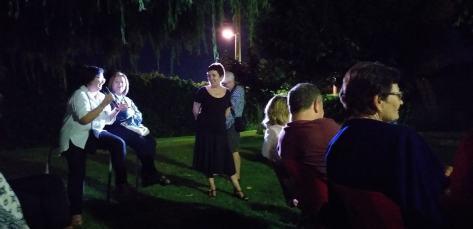 Coloquio tras la conferencia «El consultorio de Elena Francis en la Litera» en Alcampell (foto Pep Espluga)