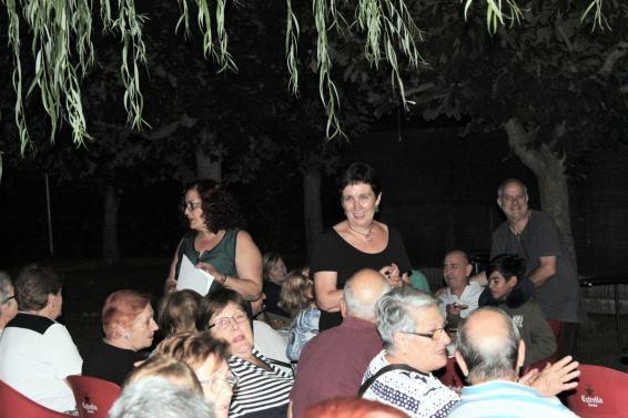 Ponentes y público en la conferencia «El consultorio de Elena Francis en la Litera» en Alcampell (foto Eugeni Miquelay)