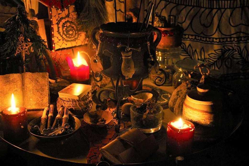 Altar für die Rauhnächte einrichten
