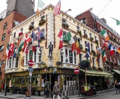 Colourful traditional Irish pub in Temple Bar, Dublin
