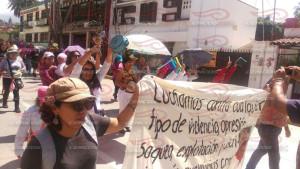 Marcha mujeres en resistencia 01 agosto 2015(1)