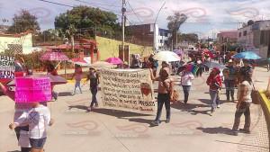 Marcha mujeres en resistencia 01 agosto 2015(3)
