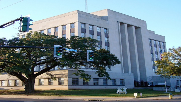 rapides-parish-courthouse_1435610911417.jpg