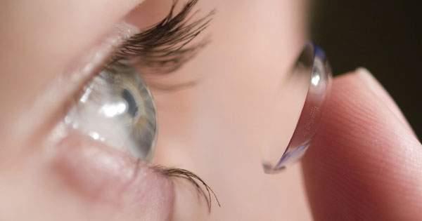 ¡Aprende como cuidar tus lentes de contacto!