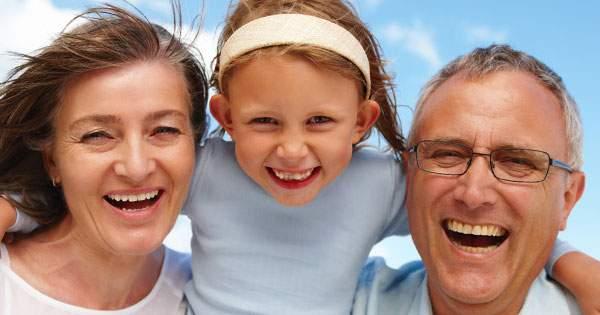 Conoce los cuidados de la higiene dental en la tercera edad