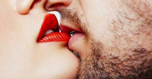 Enfermedades en las encías ¿Pueden contagiarse por medio de un beso?