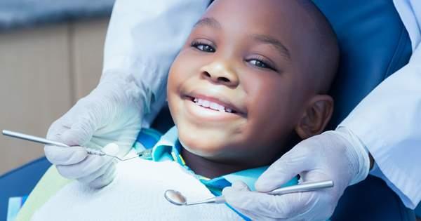 Primera visita de tu hijo al dentista, ¿cómo hacer que sea un éxito