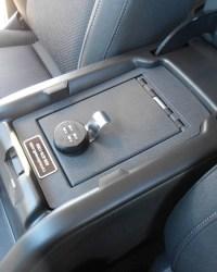 chevrolet_colorado_2015-2017_cv1068_under-seat-console