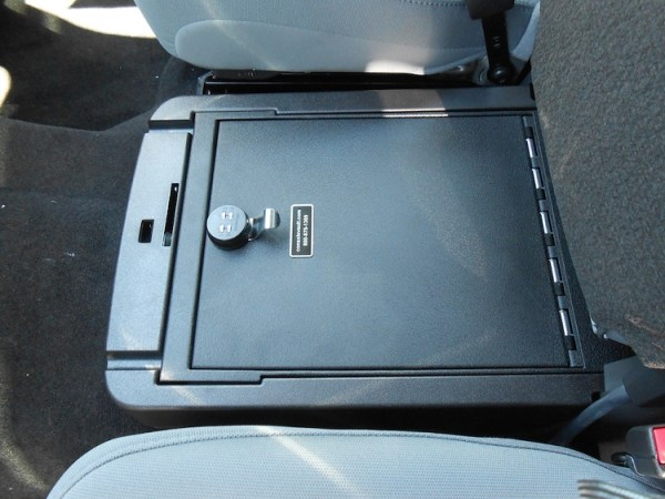 ford_f250_2011-2015_cv1056_under-seat-console
