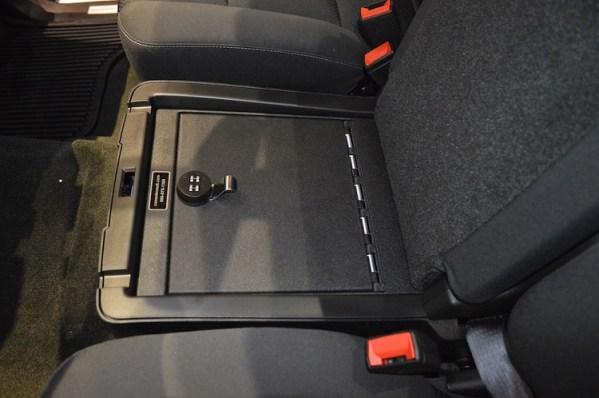 gmc_sierra-1500_2014-2017_cv1061_under-seat-console