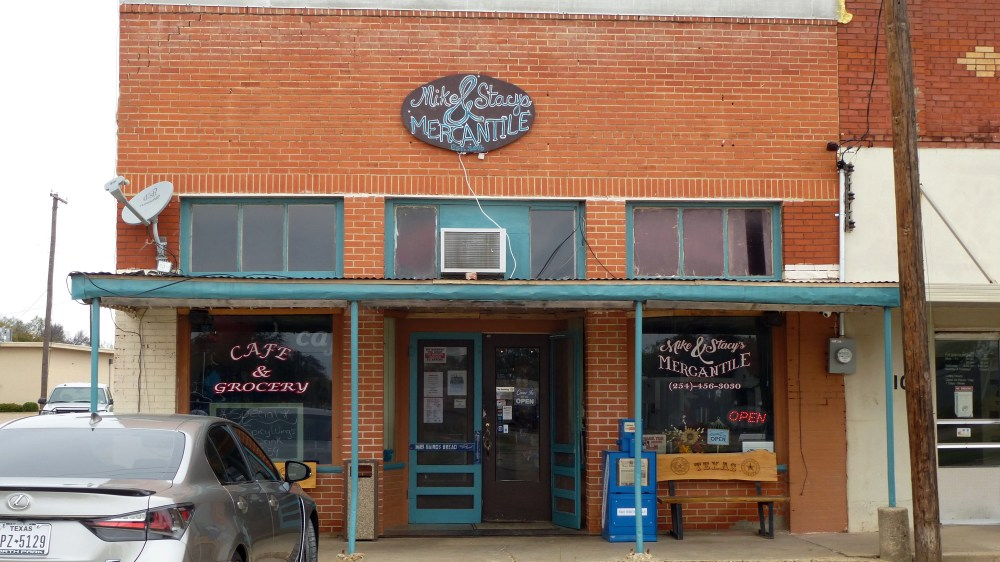 Mike and Stacy's Mercantile in Oglesby