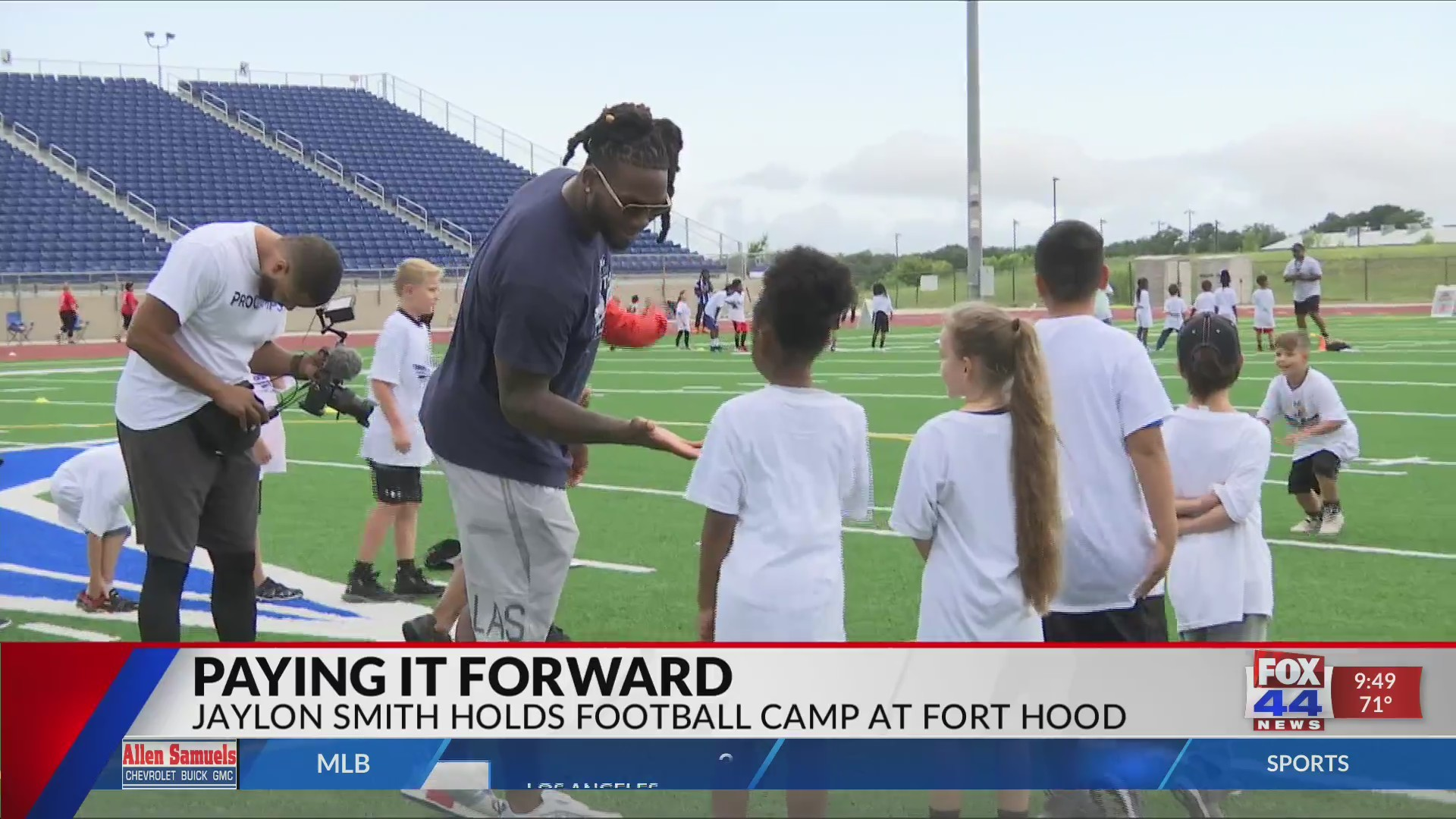 Jaylon Smith Gives Back to Fort Hood