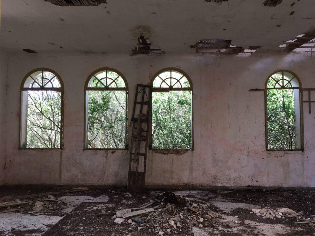 Els Anys I La Desídia Municipal Fan Caure L'antiga Escola Rural De L'Espinagar