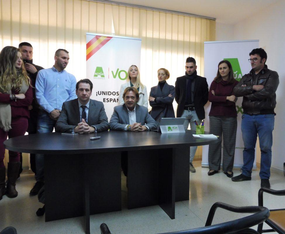 "Vox Es Presenta A Manacor ""sense Complexos"""