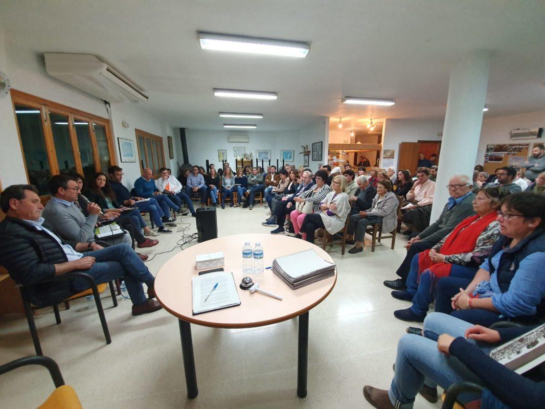 La Carretera, Un Carrer Cap A L'escola I Ca Les Monges  Centren El Debat Electoral Macianer