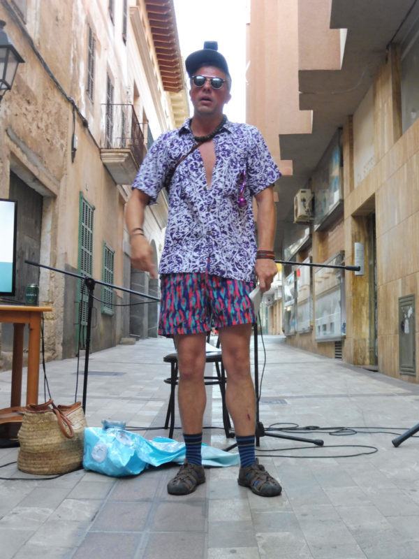 Foc I Fum Mostra Com Sobreviure A Mallorca Durant L'estiu