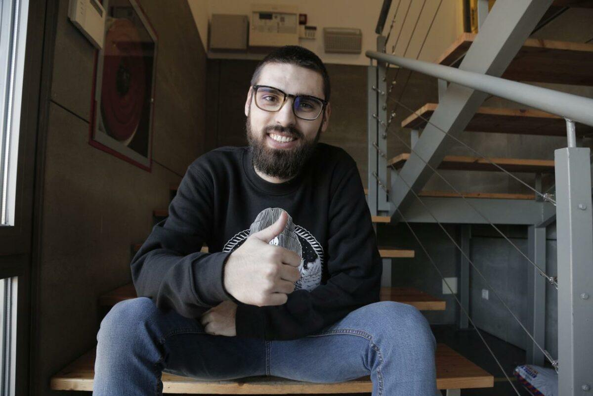 El Director I Productor, Carles Bover, Presenta Gaza A La Fornal Convidat Per L'OCB-Manacor