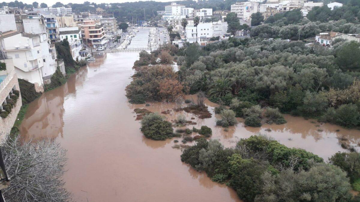 La Tempesta Glòria Desborda El Riuet De Porto Cristo