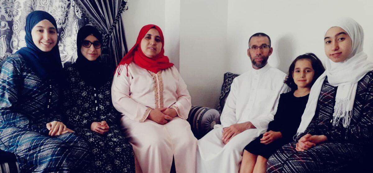 Un Ramadà Lluny De La Família I De La Mesquita