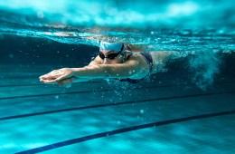 ว่ายน้ำในฤดูหนาว