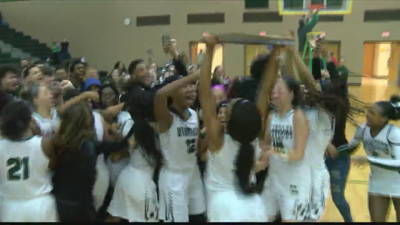 Richwoods_Rolls_Past_Kankakee_To_State_0_20180227051224