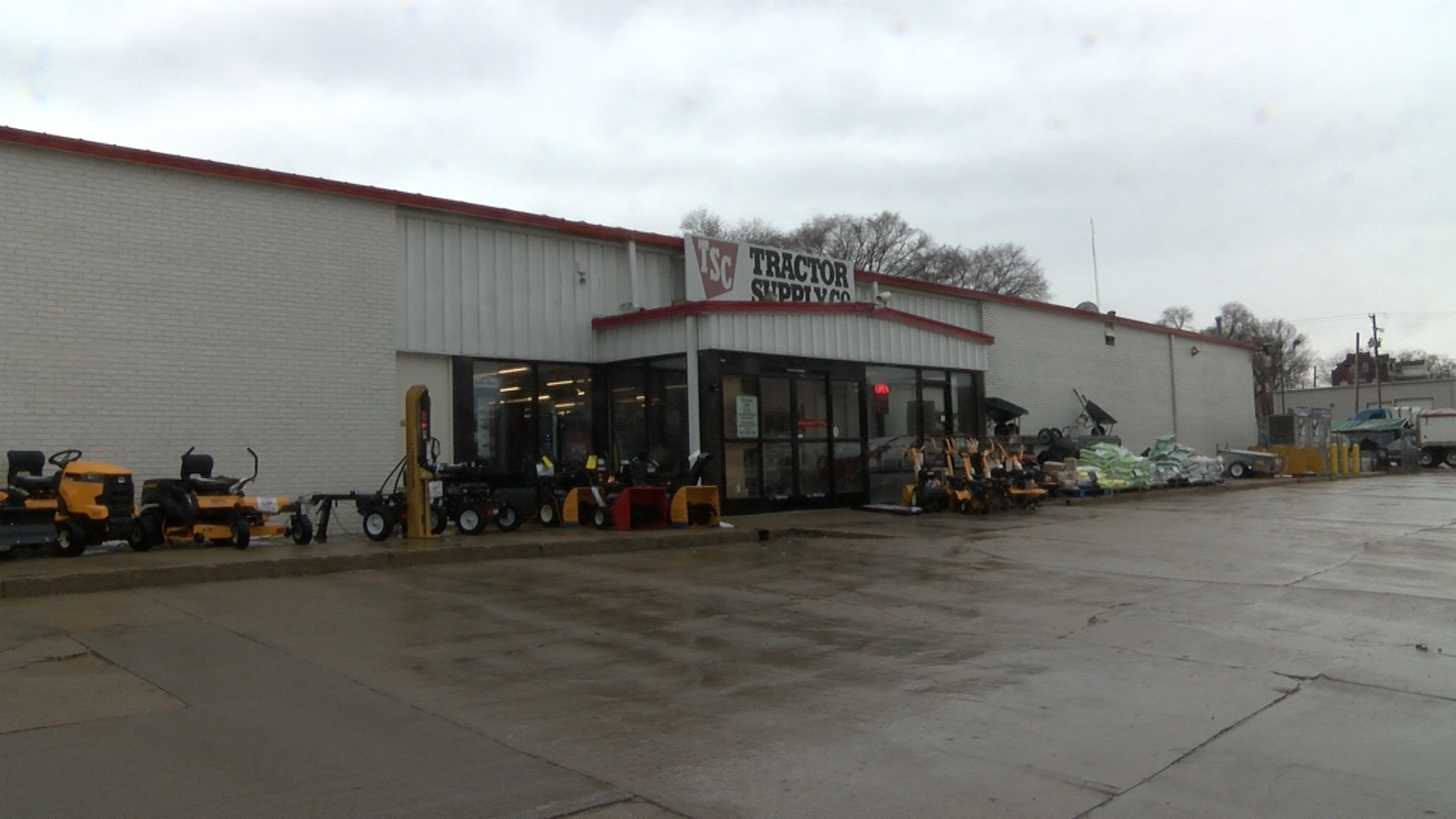 Tractor Supply Company moving to East Peoria